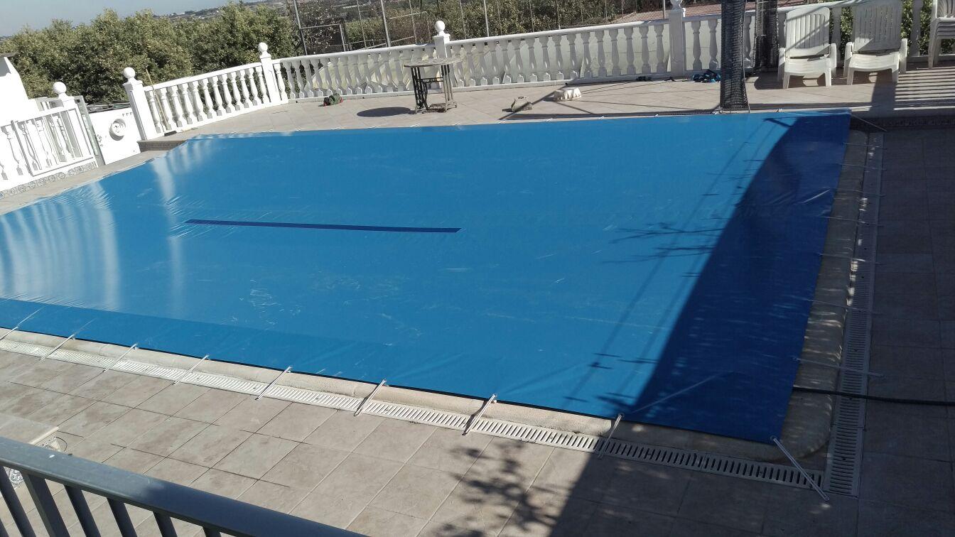 Cubre piscinas o cubiertas de piscinas con lonatec for Cubiertas de lona para piscinas